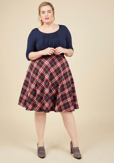 Potluck Hostess Midi Skirt in Red. As your fellow foodie friends arrive at your place for an evening of good eats, you greet them stylishly in this plaid midi skirt! #red #modcloth