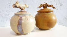 """27 kedvelés, 1 hozzászólás – Ceramiss Ceramic (@ceramiss) Instagram-hozzászólása: """"Megálmodtam az új fanyeles kerámiákat. Somfából készültek, kemények, ellenállók, a mikróba azért…"""" Jar, Ceramics, Instagram, Home Decor, Ceramica, Pottery, Decoration Home, Room Decor, Ceramic Art"""