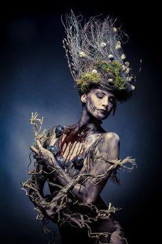 Photographer: Pixolli Studios - Oliver Kremer Stylist/Makeup: Team Gesell Model: Suzi P. Fantasy Photography, Creative Photography, Dark Fantasy, Fantasy Art, Graffiti, Green Man, The Villain, Dark Beauty, Dark Art