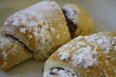watch out! there's Nutella in the house!!!...nutella crescent rolls!