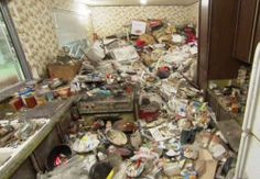 Michelle is a horrific hoarder : theCHIVE