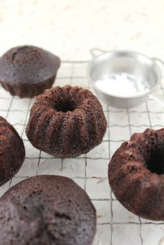 HOMEY CHUNKY BEST CHICKEN SALAD & MINI CHOCOLATE BUNDT CAKES - Lifesafeast