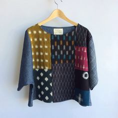i'll be posting two more kimono tees on my website in a little bit.pieced from hemp & organic cotton + ikat. just finishing up the second… Sewing Clothes, Diy Clothes, Clothes For Women, Blouse Batik, Mode Top, Boro, Piece Of Clothing, Clothing Patterns, Blouse Designs