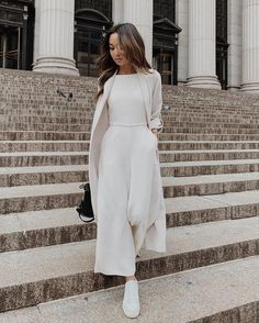 10 Breathtaking Summer Outfits You Will Love 027 Best Casual Outfits, White Outfits, Classy Outfits, Mode Ootd, Mode Hijab, Modest Fashion, Hijab Fashion, Fashion Outfits, Workwear Fashion