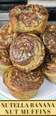 Pie Recipes 402087072984378175 - These Nutella Swirled Banana Nut Muffins will knock your socks off! They're packed with Nutella, and are insanely moist and fluffy! Source by melimallo Muffins Banane Nutella, Banana Nut Muffins, Nutella Recipes, Banana Recipes, Köstliche Desserts, Dessert Recipes, Dessert Bread, Cupcake Cakes, Cupcake Ideas