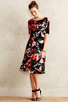 Love the print, the length, and the sleeves! Neckline might be too high on me, but I would hope it would work because I love this dress.