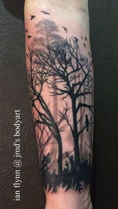 Escuro e ameaçador ao que possa parecer, árvores secas mostra de alguém vulnerabilidade. Mas a vaga silhueta de árvores saudáveis poderia mostrar-se como você realmente é forte, aceitando suas falhas.