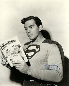 La Nuez: Día Internacional de Lectura de Comics en Público