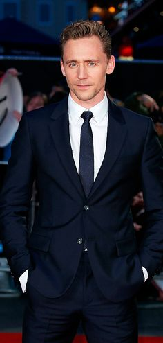 Tom Hiddleston attends a gala screening of 'High-Rise' during the BFI London Film Festival at Odeon Leicester Square on October 9, 2015 in London. Full size image: http://ww4.sinaimg.cn/large/6e14d388gw1ewveu782yzj21jp2bcqh6.jpg Source: Torrilla, Weibo