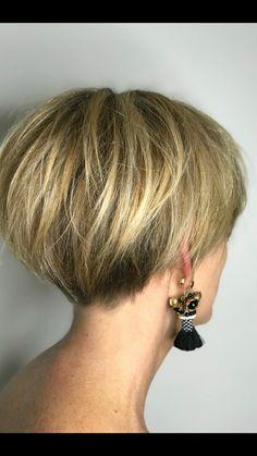 Pixie Bob Haircut, Short Bob Haircuts, Short Hairstyles For Women, Hairstyles Haircuts, Haircut Short, Undercut Short Bob, Chic Haircut, Nape Undercut, Stacked Haircuts