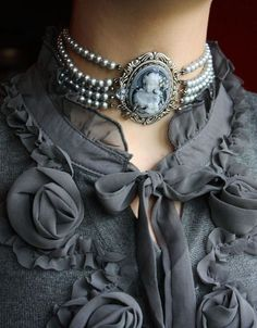 Cameo and Pearls.  found on 1lifeinspired.tumblr.com  - Wendy Schultz ~ Jewelry Perfection.
