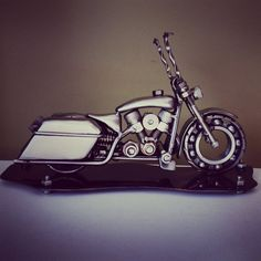 Hey, I found this really awesome Etsy listing at https://www.etsy.com/listing/228591055/harley-davidson-road-king-bagger-metal