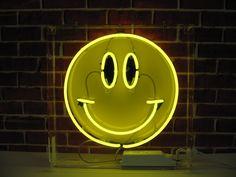 Smiley Face neon light - yellow neon