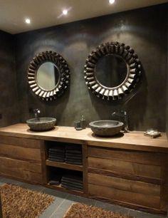 Houten badkamermeubel met dubbele wasbak
