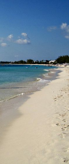 Seven Mile Beach, Grand Cayman Best Vacations, Vacation Trips, Amazing Places, Beautiful Places, Places To Travel, Places To Visit, Orlando Travel, San Juan Puerto Rico, Grand Cayman