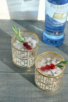Rosemary Vodka Tonics with Holiday Flair! #PinnacleVodka #PinnacleCocktailClub #AD @pinnaclevodka