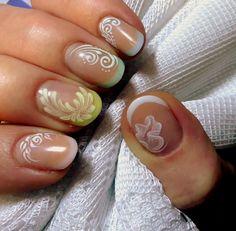 ....semplici design su unghie da salone....
