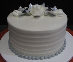 Single tier cake with white roses, gray beaded border and horizontal iced Single Tier Cake, Traditional Wedding Cakes, Tiered Cakes, Cheesecake Recipes, White Roses, Gray, Desserts, Food, Tailgate Desserts