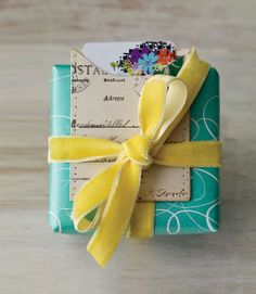What a treat! Hello yellow velvet bow!