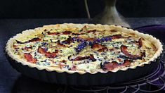 Slané koláče neboli quiche se těší velké oblibě – dá se do nich zužitkovat zelenina, sýry, uzeniny a třeba i přebytky z lednice. Quiche, Food And Drink, Pie, Torte, Cake, Fruit Pie, Quiches, Pai, Tart