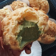 Pastry puff with green tea cream filling