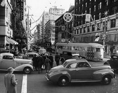 Los Angeles, 1940's - Christmas on Broadway by A Box of Pictures, via Flickr