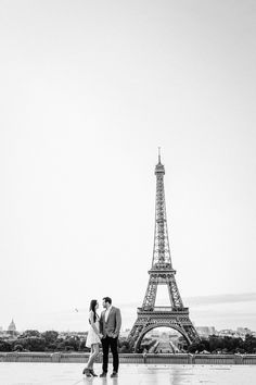 Book a vacation photographer in Paris at Trocadéro! Capture family vacations, honeymoon, engagement trips or proposals with Flytographer. Paris Photos, Paris Skyline, Photo Galleries, France, Vacation, Gallery, Building, Travel, Voyage