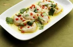 Delicious Herbs and Lime add Zest to this Scallop Carpaccio Recipe by Geoffrey Smeddle. This is a fantastically Fresh way to Enjoy Scallops. Fish Recipes, Seafood Recipes, Healthy Recipes, Salmon Recipes, Steamer Clam Recipes, How To Cook Octopus, Shrimp And Scallop Recipes, Carpaccio Recipe