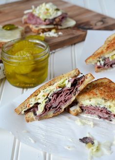 Hot Pastrami Sandwiches with Sweet Pickle Slaw - Momma Z's Pastrami Sandwich, Sandwiches, My Recipes, Cooking Recipes, Favorite Recipes, Sweet Pickles, Recipes From Heaven, Appetizers, Yummy Food