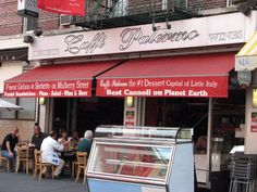 New York Little Italy: Cafe Palermo