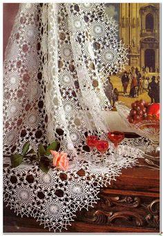 Crochet Patterns: Crochet Lace Tablecloth Pattern - Delicate ♥️LCM-MRS♥️ with diagram. Crochet Tablecloth Pattern, Crochet Bedspread, Crochet Curtains, Easy Crochet Patterns, Crochet Ideas, Filet Crochet, Thread Crochet, Crochet Motif, Crochet Doilies