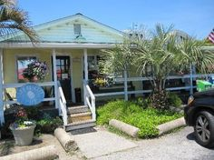 Isle of Palms | Sea Biscuit Cafe, Isle of Palms - we eat there often