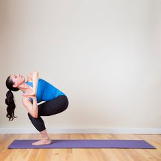 What it works: glutes, quads, and upper back  Stand with your feet together. Inhale to bend your knees and ...