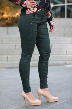 5Units - Jolie Pine Coated Pine, Dallas, Texas, Coat, Fashion, Pine Tree, Moda, Fashion Styles, Fashion Illustrations