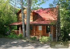 Robin's View - This 2 bedroom cabin has a gorgeous view and is in the perfect location! Click here to see more: http://www.jacksonmountainhomes.com/gatlinburg-cabins/rentals/robins-view/70/alpha