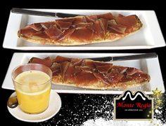 ¿Se te han pegado las sábanas como a nosotros? Disfruta de estas deliciosas tostadas con jamón ibérico #MonteRegio ¡Feliz Martes!