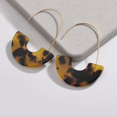 #SilverDropEarrings Black Stud Earrings, Emerald Earrings, Shell Earrings, Unique Earrings, Crystal Earrings, Statement Earrings, Women's Earrings, Silver Earrings, Unique Jewelry