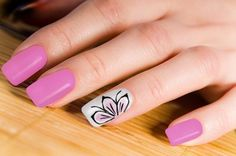 accent-pink-flower-nail-art-design