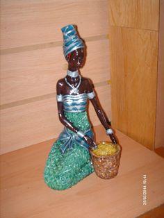African Beauty, African Women, Butterfly Cross Stitch, Africa Art, African Culture, Black Art, Black History, Sculptures, Portrait