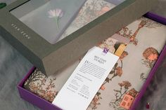 Sian Zeng | Bed linen packaging on Behance