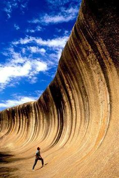 This is the Wave Rock (Rock Ola) in Australia