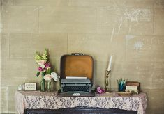 Typewriter guest book - what an amazing unique idea for a vintage wedding