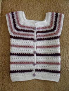Dívčí háčkovaná vesta