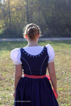 I'm finally sharing my handmade Dirndl with you! Man, this is long overdue! I made it in May which feels like ages ago now. So why would I make a Dirndl if i… Short Sleeve Dresses, Costumes, Handmade, Beauty, Blog, Traditional, Girls, Fashion, Dirndl