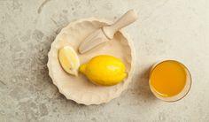 Carved bowl  with citrus squeezer / Miseczka rzeźbiona z wyciskarką do cytrusów