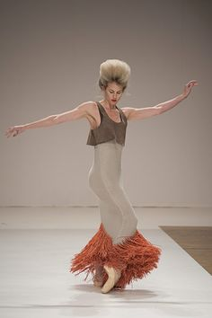The Royal Ballet goes to London Fashion Week - en pointe!