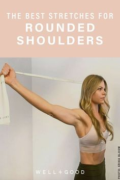 One-arm rise are a versatile bodyweight workout. They're terrific for weight loss, improving cardiovascular fitness and strengthening the body. Discover how to do One-arm rise with this workout video. Rounded Shoulder Exercises, Back Exercises, Fitness Exercises, Shoulder Stretches, Stretches For Shoulders, Exercises For Better Posture, Upper Back Strengthening Exercises, Kyphosis Exercises, Shoulder Posture