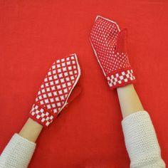 Daniela Gregis hand knitted greca gloves