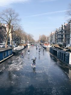 Spending winter in Amsterdam? Read this list of places to visit all year long in the city, including the 10 best things to do in Amsterdam in December. Tour En Amsterdam, Amsterdam Canals, Visit Amsterdam, Amsterdam Travel, Hotel Amsterdam, Amsterdam Christmas, Amsterdam Winter, Lonely Planet, Mykonos