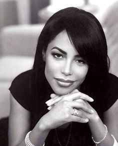 they say Aaliyah is overrated when they so called queen beyonce dropped out of the ninth grade Rip Aaliyah, Aaliyah Style, Beautiful Black Women, Beautiful People, Simply Beautiful, Beautiful Pictures, Aaliyah Haughton, Toni Braxton, Amy Winehouse